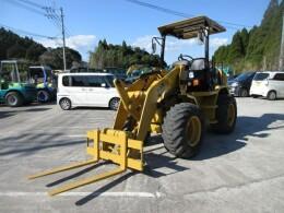 CATERPILLAR Wheel loaders 902B 2012