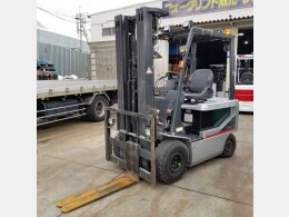 NISSAN Forklifts P1B2 2011