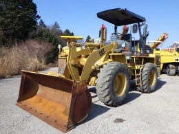 CATERPILLAR Wheel loaders 910G2 2003