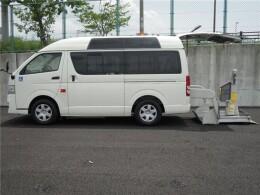トヨタ バン CBF-TRH200KKAI                                                                             2013年3月