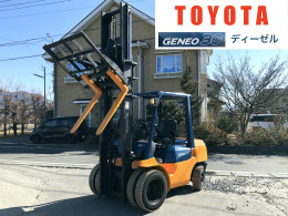 TOYOTA Forklifts 7FD30 2004