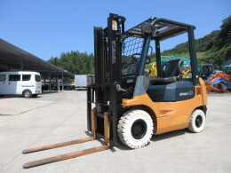 TOYOTA Forklifts 02-7FD15 2005