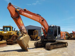 HITACHI Excavators ZX225USR-3                                                                         2010