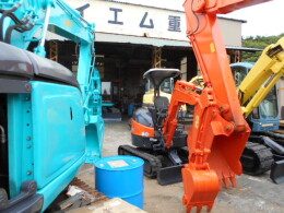 HITACHI Mini excavators ZX20Uアワーメーター883時間                                                                         2008