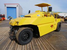 日立建機 ローラー TZ700-                                                                         2000年