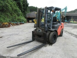 TOYOTA Forklifts 52-8FD30                                                                         2013