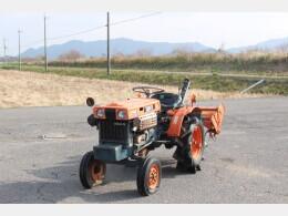 クボタ B7000