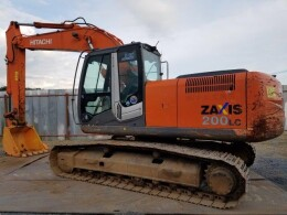 HITACHI Excavators ZX200LC-3                                                                         2010