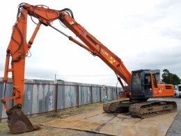 HITACHI Excavators ZX240LCK                                                                         2002