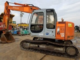 HITACHI Excavators EX135USR                                                                         1999